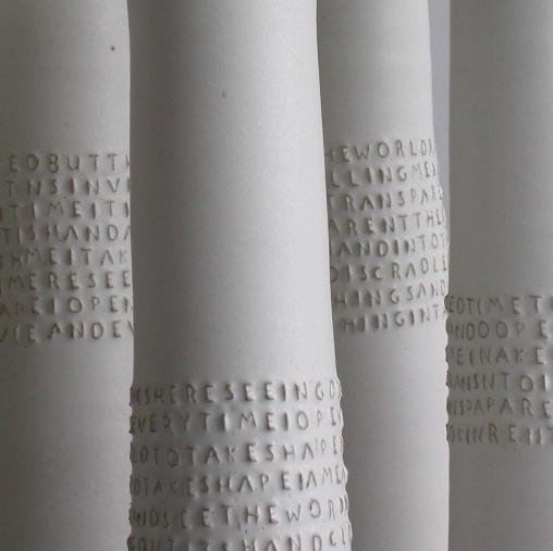 CloseupEm.Vase