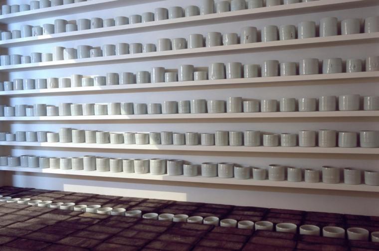 edmund de waal porcelain wall porcelain room geffrye room 2001