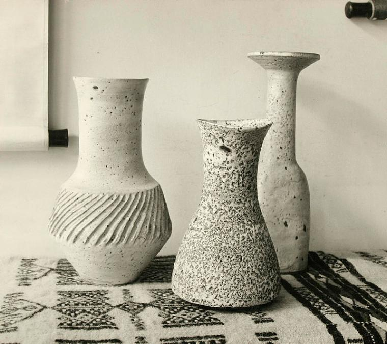 Pots-by-Lucie-Rie-at-the-Berkeley-Galleries-taken-by-Jane-Gate-1962