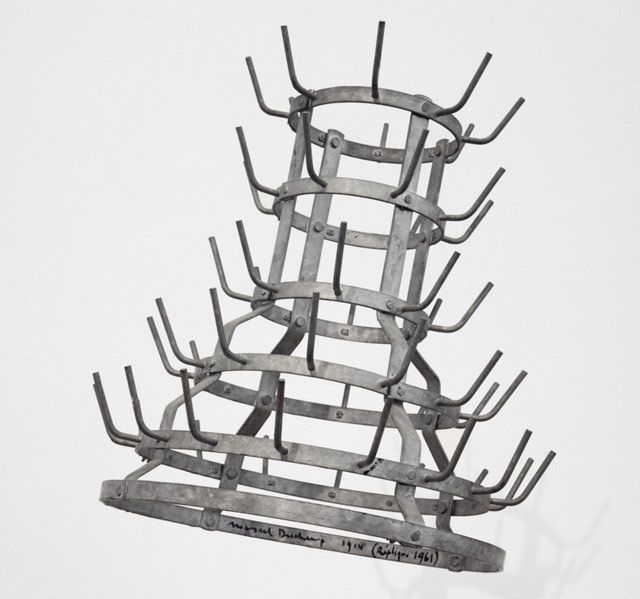 duchamp-bottle-rack