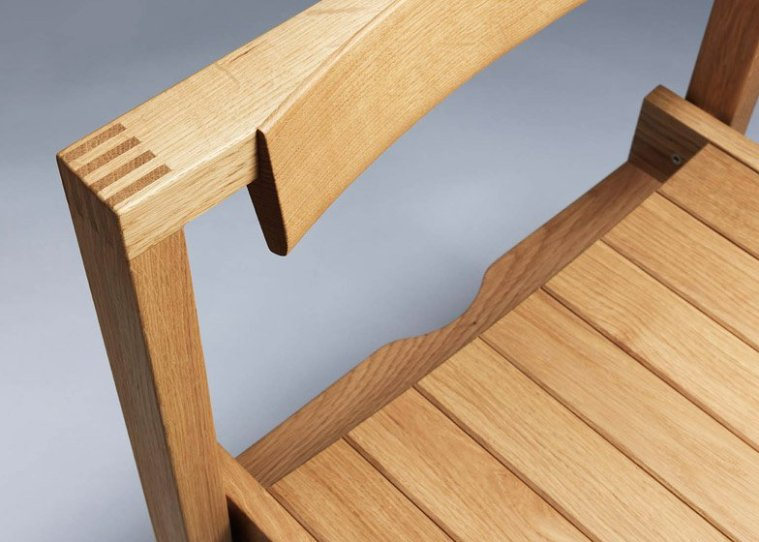 Luke-Hughes-Coventry-Chair_dezeen_784_0