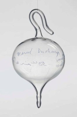 marcel_duchamp_air_de_paris)